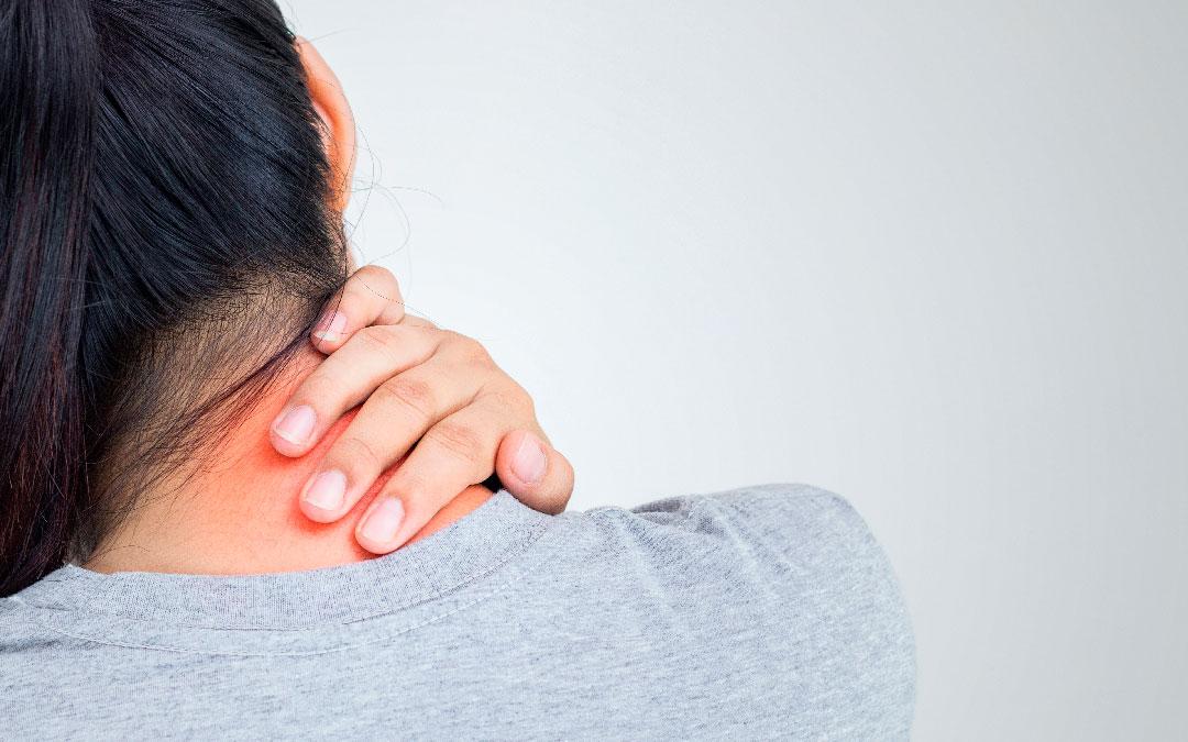 Alivio del dolor cervical a través de una mejor postura